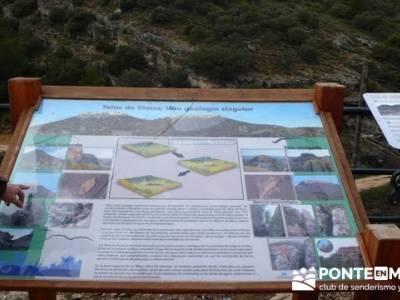 Senderismo Guadalajara - Monumento Natural Tetas de Viana. romanico en soria